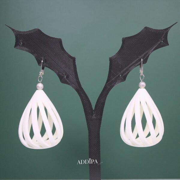 3D printēti auskari - baltās lāsītes.